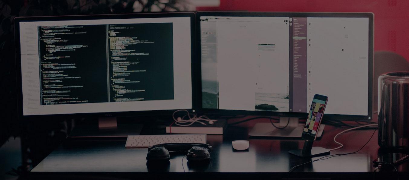 שולחן עבודה של מפתחי אפליקציות